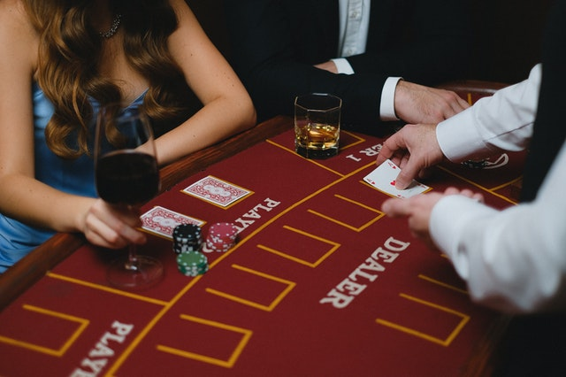 Why Online Gambling Is A Very Popular Platform In 2021?
